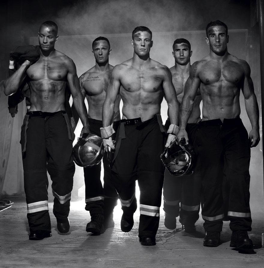french-firemen-calendar-2016-pompiers-sans-frontieres-fred-goudon-27.jpg