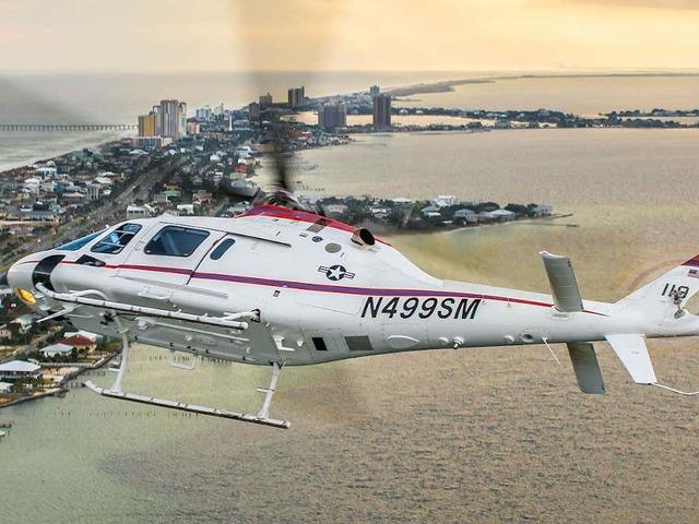 Új kiképző helikoptert vett át az Amerikai Haditengerészet