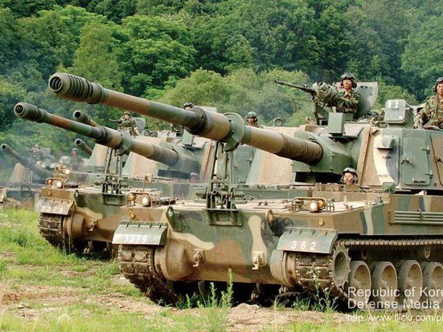 Az új dél-koreai önjáró tarack is pályázik a brit hadsereg megrendelésére