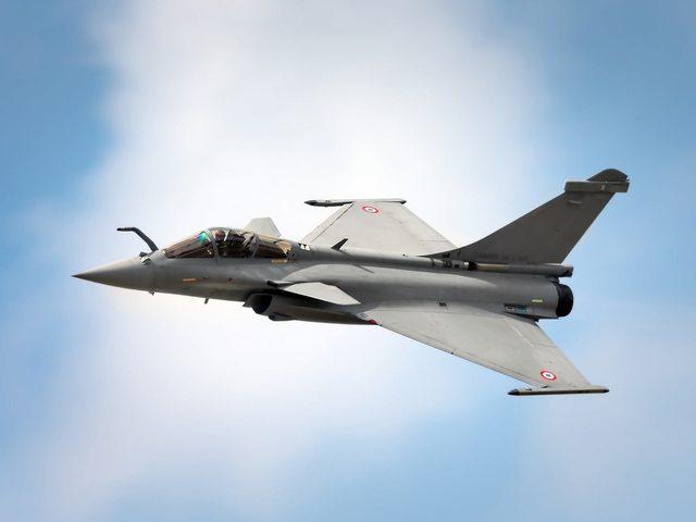 Horvátország Dassault Rafale vadászbombázókat vásárol