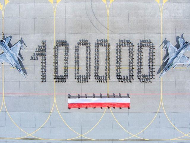 100000 órát töltöttek már a levegőben a lengyel F-16-ok