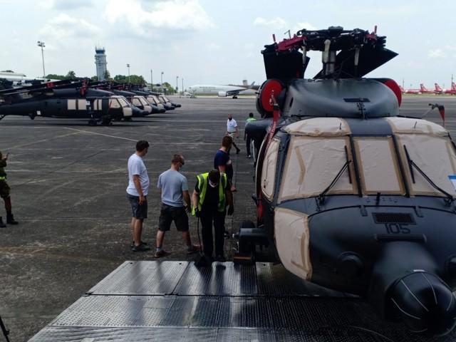 Újabb helikopterek érkeztek a Fülöp-szigetekre