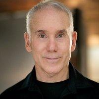 """Dan Millman - számos sikeres """"önsegítő"""" könyv szerzője"""