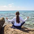 Az iskolai jógaórák csökkentik a stresszt és a szorongást a gyerekekben