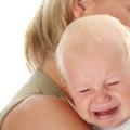 Miért nem szabad sírni hagyni egy babát?