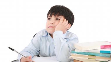 Év végi dolgozat - fáradt a gyermek? Mit tehet a szülő?
