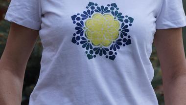 Szerelem volt első látásra - egyedi kézzel festett mandalás pólók