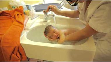 Gyerek fürdetés