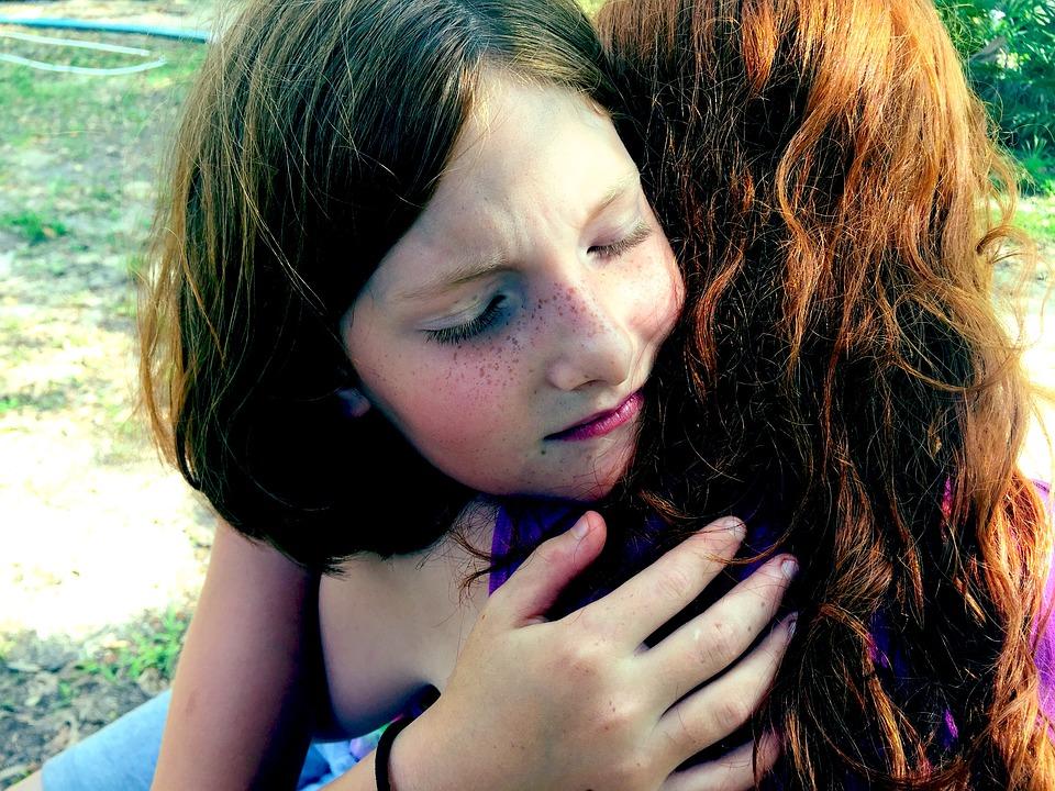 hug-1315552_960_720.jpg