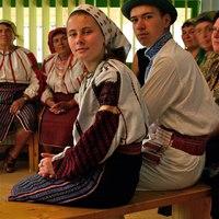 Kik a csángók? Hogyan őrizhető meg a kulturájuk, magyarságuk? Beszélgetés Posch Dániellel
