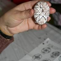 Festett hímes tojások- különböző technikák