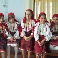 Dalospacsirták Moldvában - a XII. Szeret-menti népdalvetélkedő
