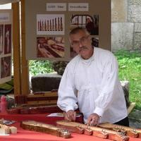 Gáts Tibor citerakészítő