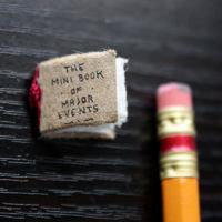 Kézzel varrt minikönyv
