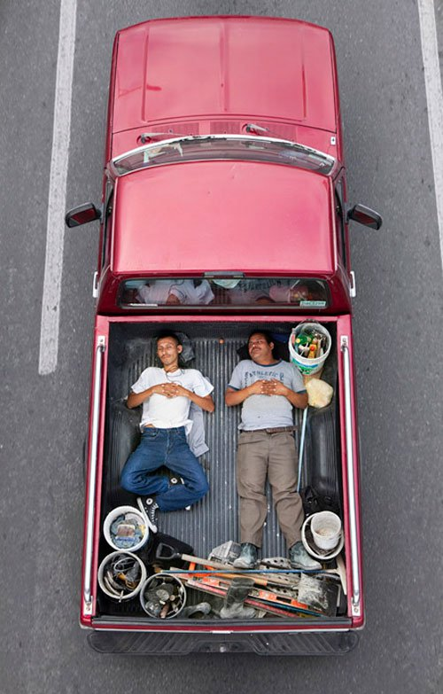 02_alejandro_cartagena_carpoolers.jpg