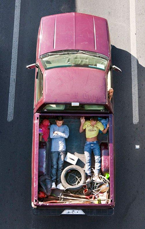 08_alejandro_cartagena_carpoolers.jpg