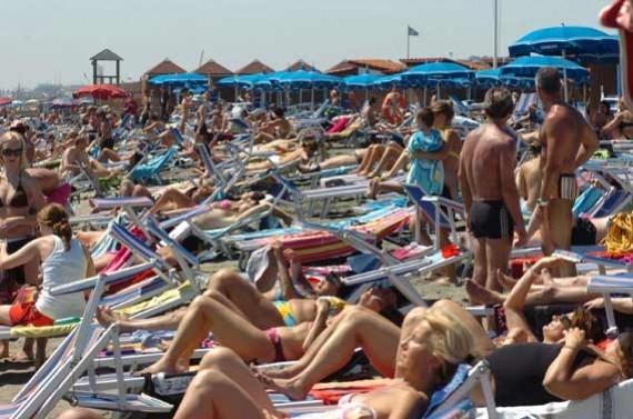 spiaggia-di-ostia-roma.jpg