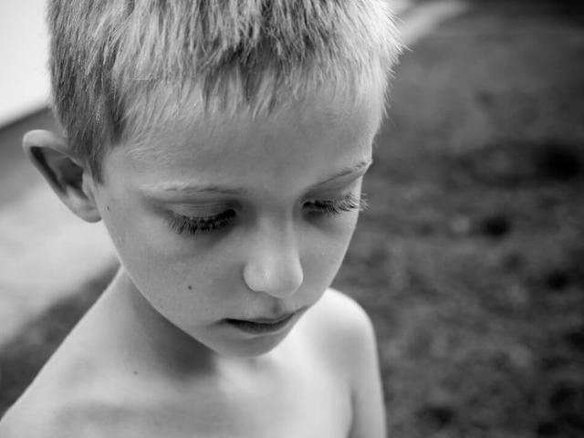 NEM VAGYOK JÓ! A gondozott gyermekek és az önbizalomhiány