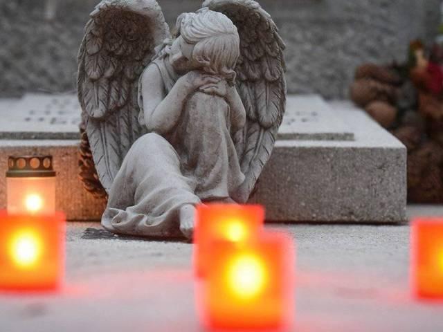 Halottak napja, mindenszentek nevelt gyermekekkel