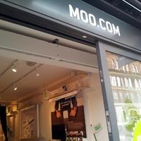 Névjegykártyaboltot nyitott a MOO Londonban