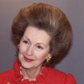 Meghalt a csodálatosan fésült hajú nő, aki Diana hercegnő mostohanyja (is) volt
