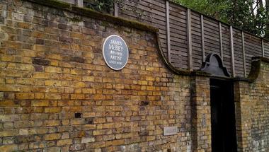 Vajon ki lakott itt? - Egy 12 millió fontos ház története a Holland Park Avenue-n