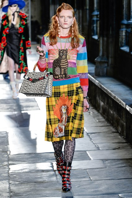 001-gucci_resort_2017_01_426x639.jpg