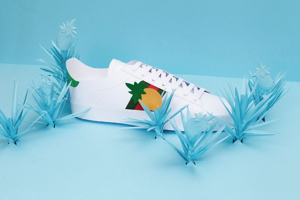03_shoe_with_pineapple.jpg