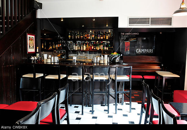 69-Colebrooke-Row-Cocktail-Bar-Islington-London-CWBK8X.jpg