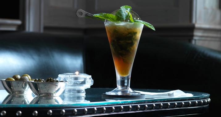 CON_ConnaughtBar_Cocktail_3.jpg