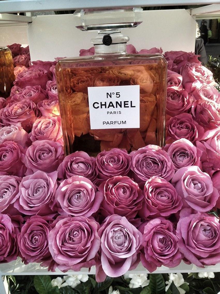 Chanel-Flower-Stall.1.jpg