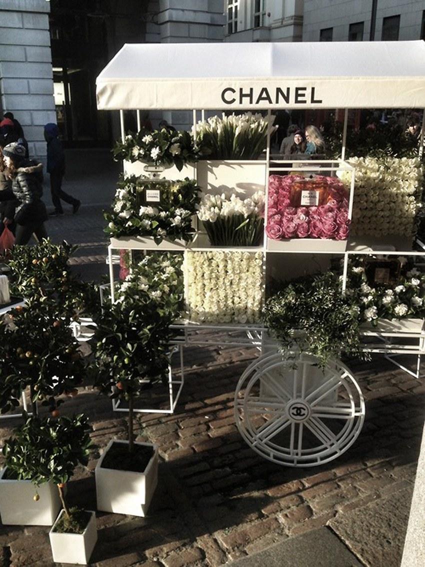 Chanel-Flower-Stall.2.jpg