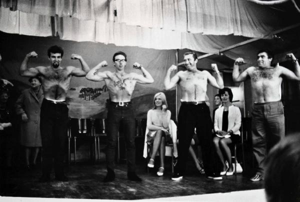Tony Ray-Jones Strongman Contest, Mablethorpe, 1967.JPG
