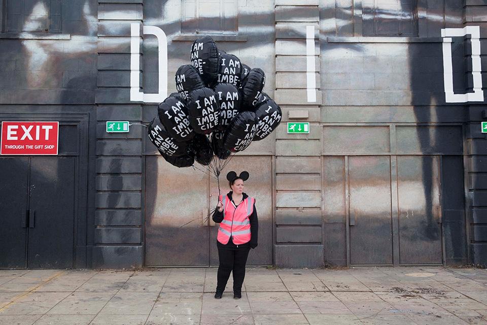 banksy-dismaland-theme-park-001.jpg