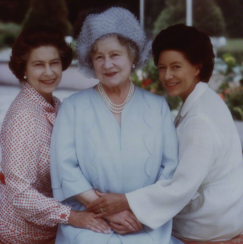 queen_elizabeth_ii_queen_elizabeth_the_queen_mother_princess_margaret_1980.jpg