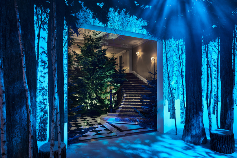 jony-ive-marc-newson-claridges-christmas-tree-2016-designboom02.jpg