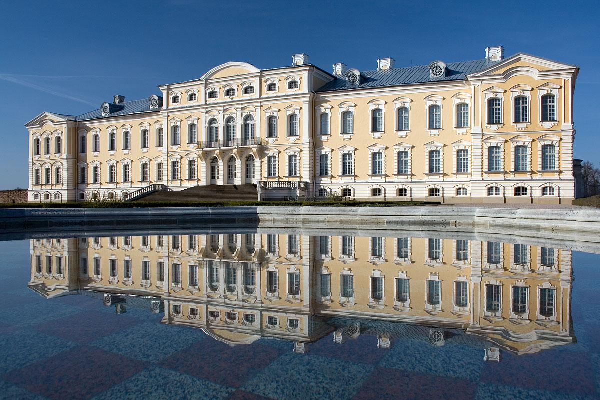 rundale-palace-latvia-11.jpg