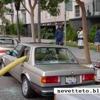 Ezért ne parkolj tűzcsap mellé!