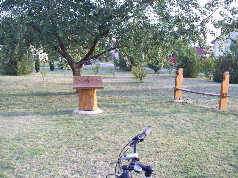 20140831 102 Sáránd Trianoni emlékmű.JPG