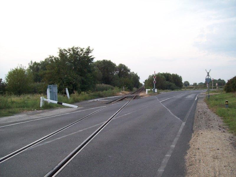 20140831 111 Sáránd vasúti átjáró.JPG