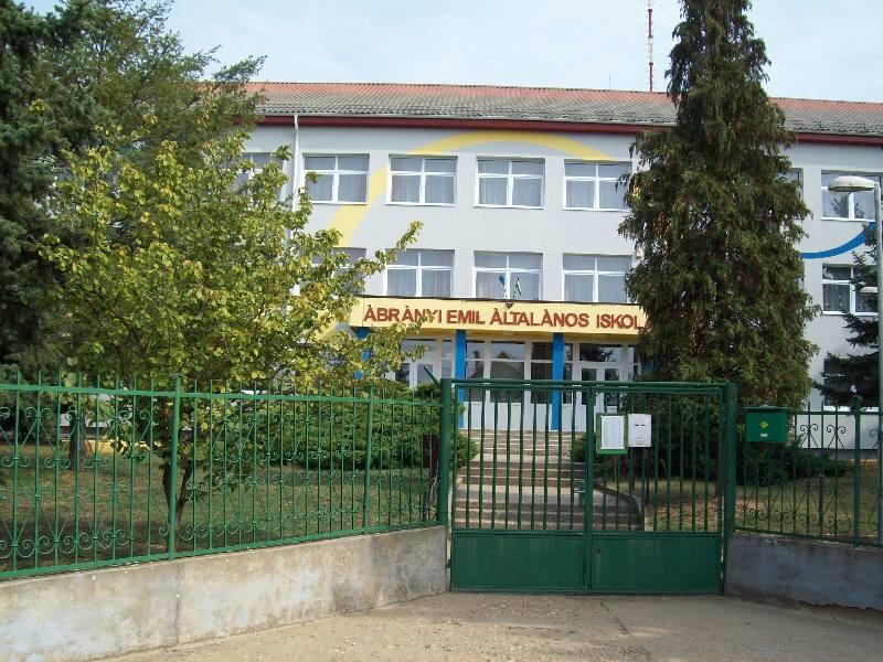 20140907 047 Nyírábrány Ábrányi Emil általános iskola.jpg