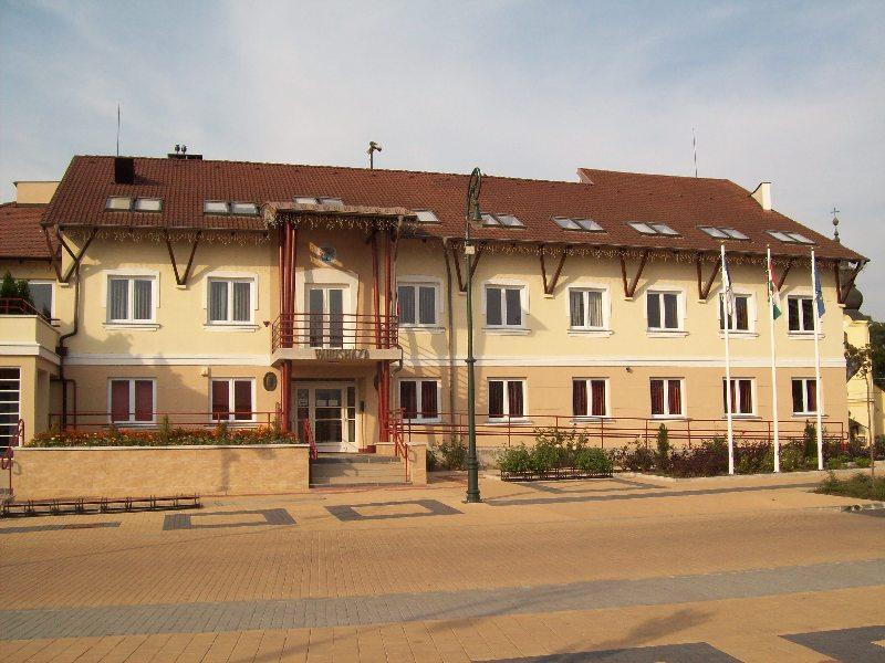 20140907 120 Nyíradony városháza.jpg