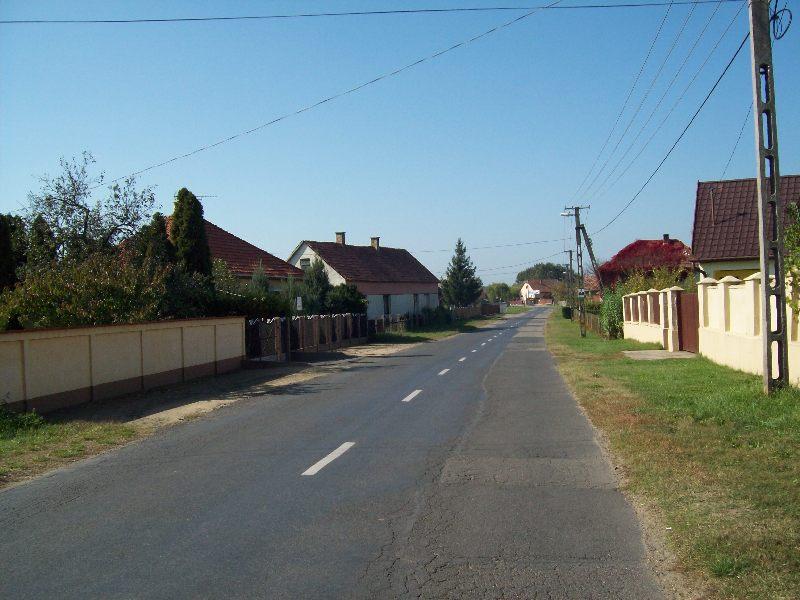 20141010 064 Nyírábrány Szabadság utca.JPG