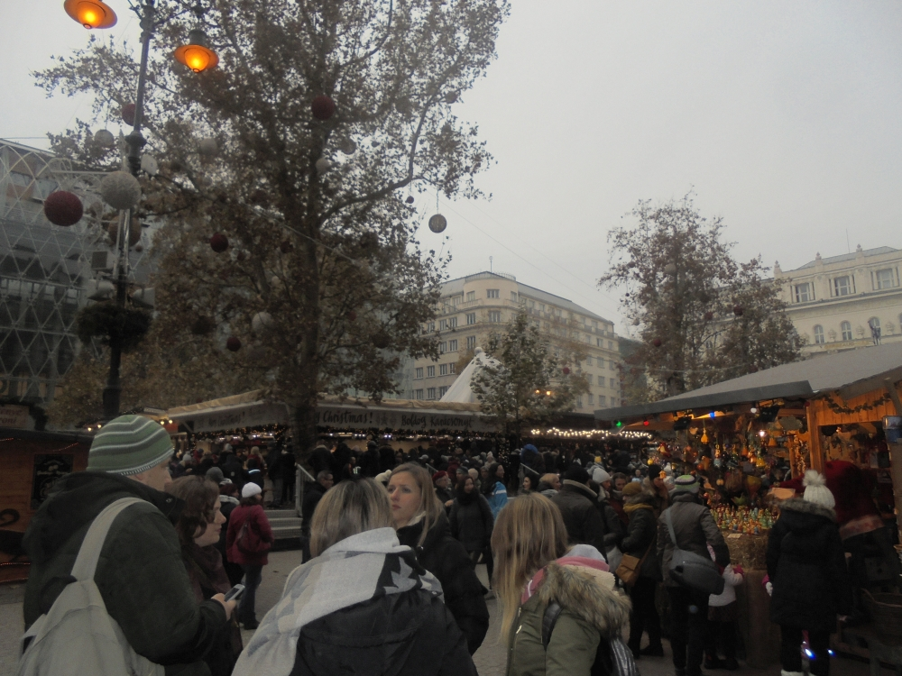 20181201_15_budapest_vorosmarty-ter.JPG