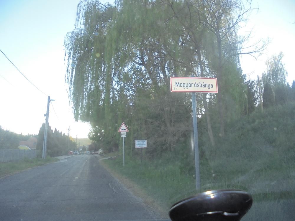 20200426_136_mogyorosbanya_bejarat.JPG