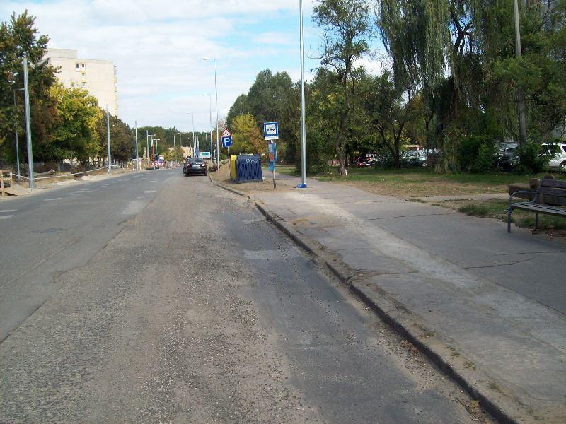20131003 022 Megszűnt megállók - Békessy Béla utca.JPG