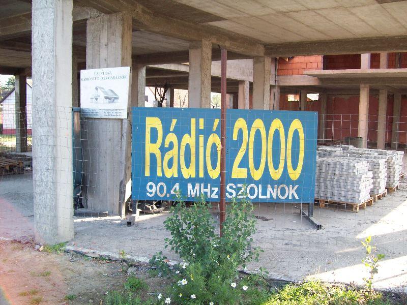 20081116 04 Rádió 2000.jpg