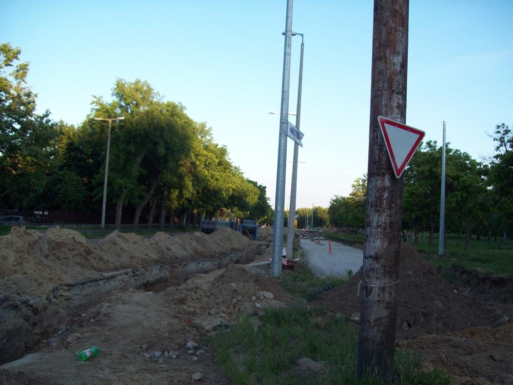 20130602_villamospalya_epites_16.jpg
