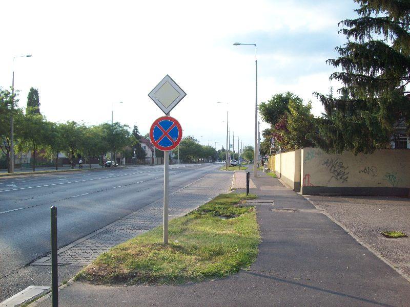 20120726 22 Böszörményi út kereszt.jpg