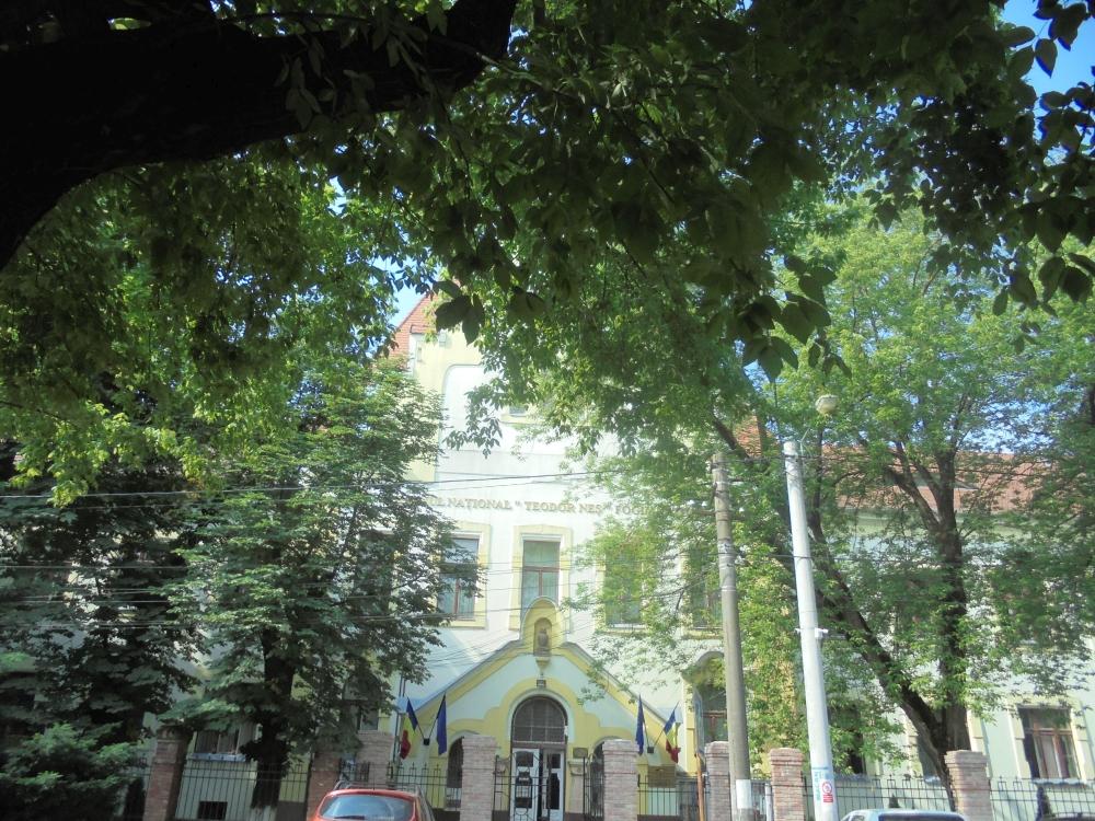 20180606_015_nagyszalonta_teodor_nes_iskola.JPG